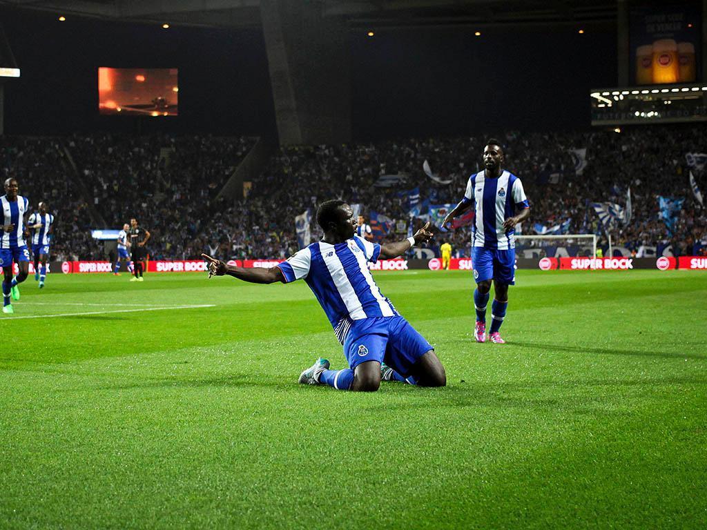 OFICIAL: FC Porto adquire totalidade do passe de Aboubakar