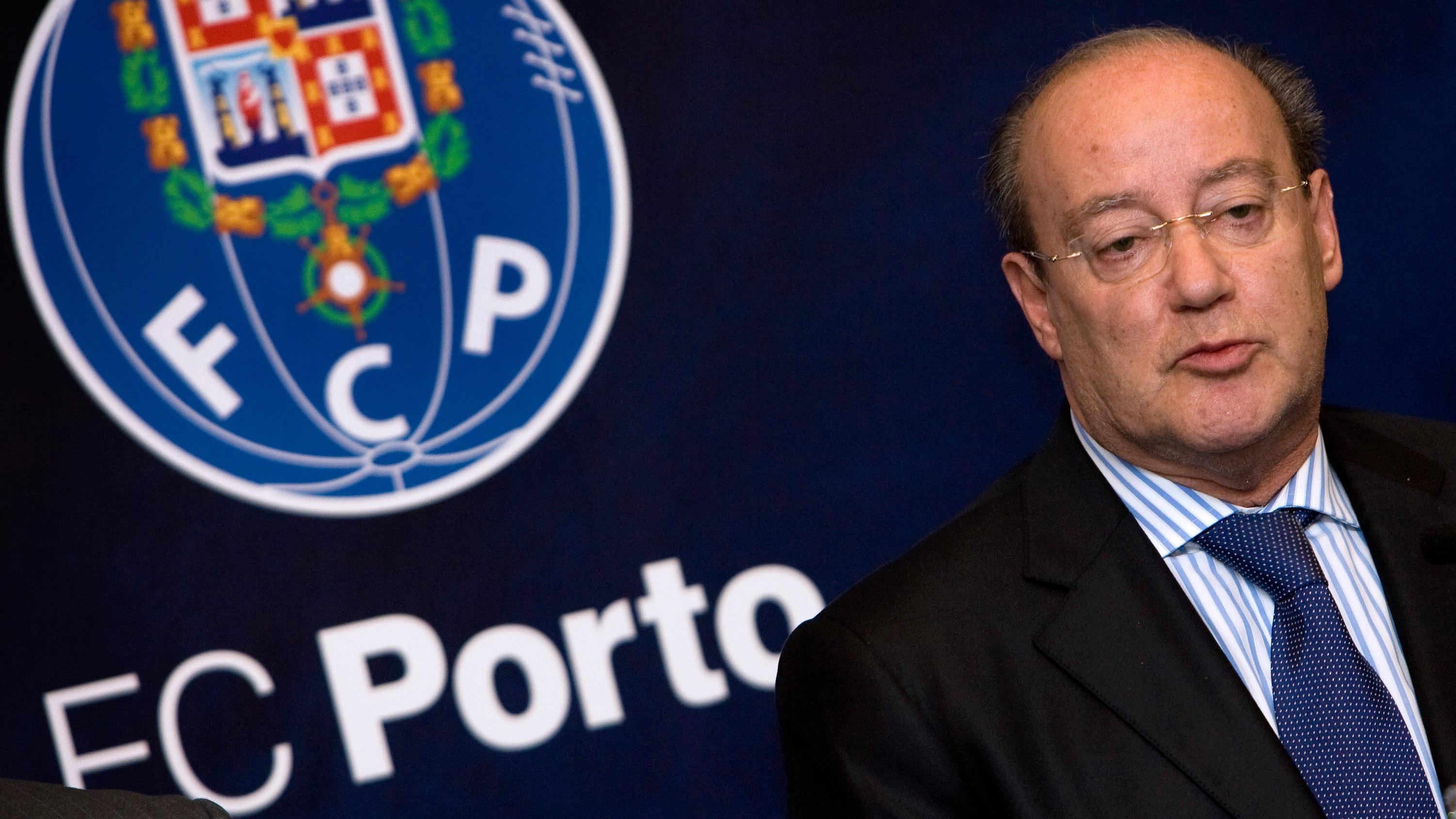 Resultado de imagem para Pinto da Costa está há 35 anos à frente do FC Porto