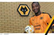 OFICIAL: Ola John emprestado ao Wolverhampton