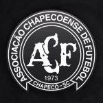 Tragédia do Chapecoense: 81 passageiros, 4 ausentes, 71 mortos e 6 sobreviventes