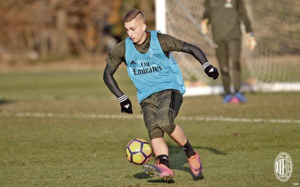 OFICIAL: Gerard Deulofeu emprestado ao AC Milan