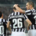OFICIAL: Lichtsteiner renova com a Juventus