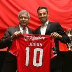 OFICIAL: Jonas renovou até 2019