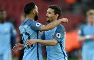 Manchester City dispensa quatro jogadores
