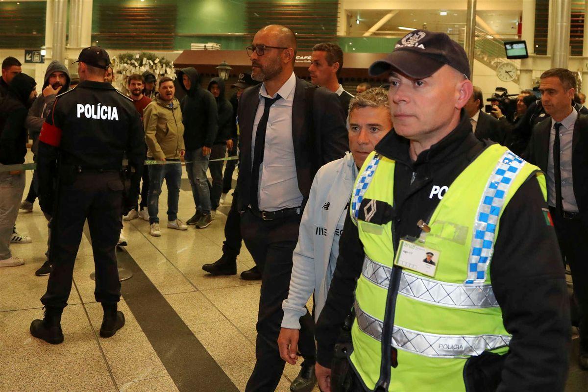 Críticas dos adeptos na chegada do FC Porto