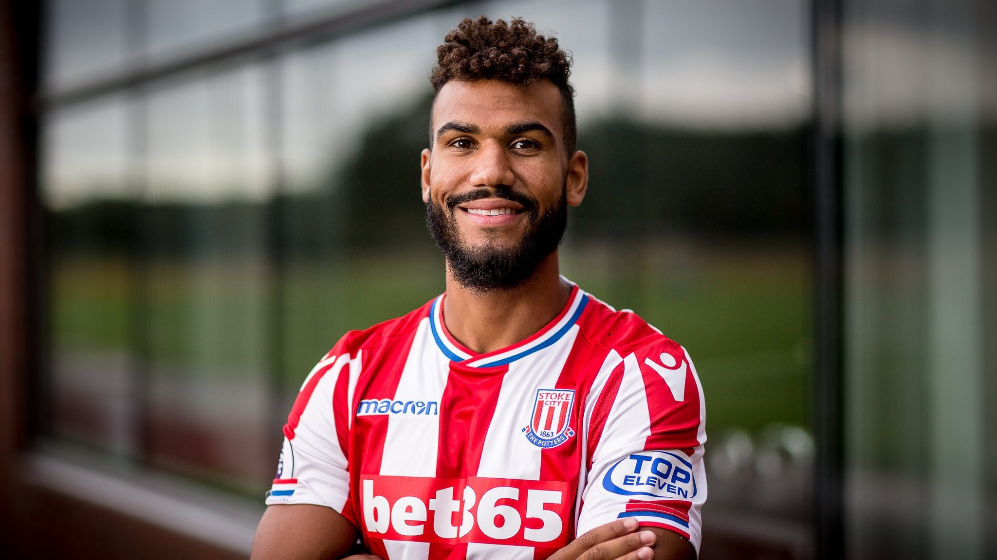 OFICIAL: Choupo-Moting assina pelo Stoke City