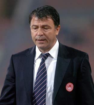 Takis Lemonis novo treinador do Olympiacos
