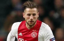 Mitchell Dijks, defesa esquerdo do Ajax, pode reforçar Sporting já em janeiro