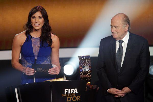 Hope Solo acusa Blatter de assédio sexual