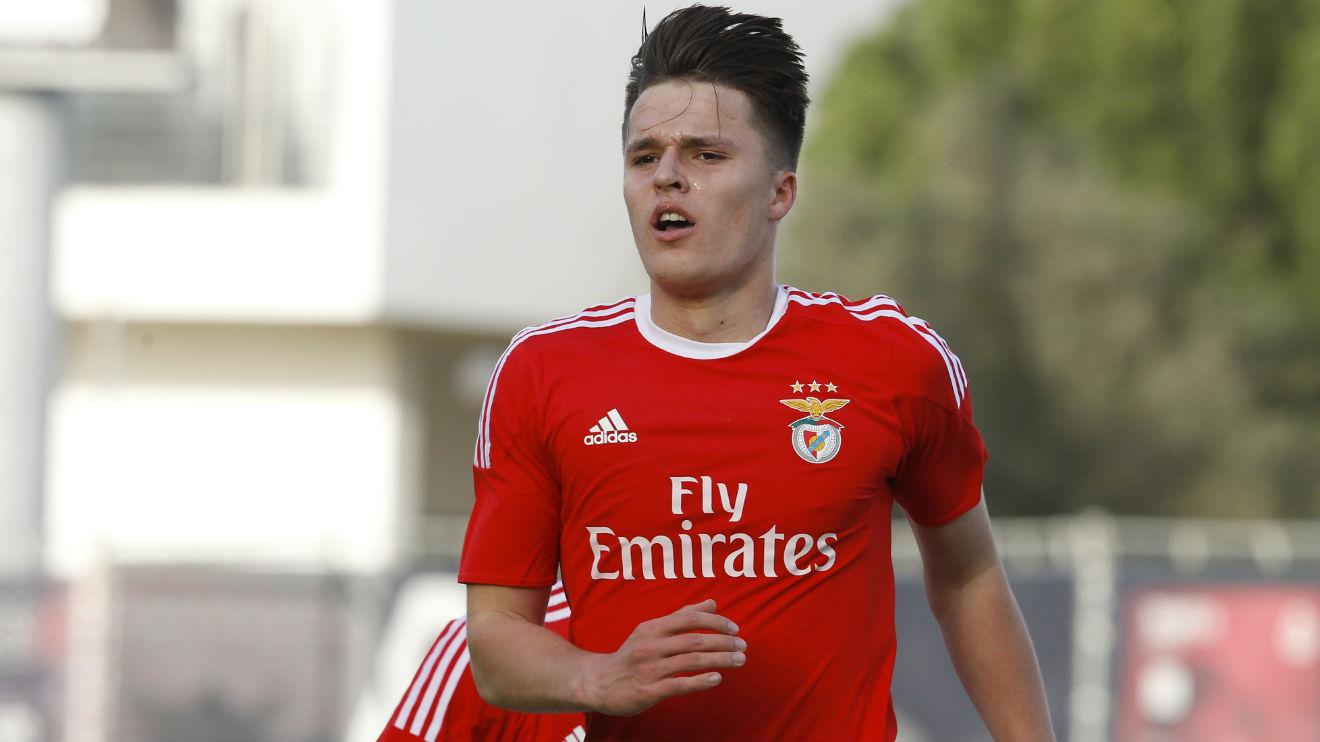 Benfica vende Oliver Sarkic ao Leeds