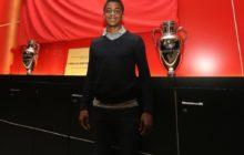 Benfica inscreve na Liga jovem de 17 anos
