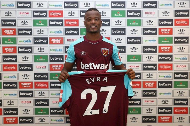 OFICIAL: Patrice Evra assina pelo West Ham