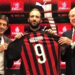 Higuain apresentado no AC Milan