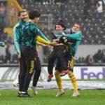 """Jogadores do Arsenal fazem """"meiinho"""" com apanha-bolas do Vitória SC"""