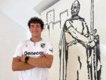 OFICIAL: Vitória SC contrata avançado ex-FC Porto