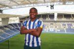 OFICIAL: Chegou a ser associado ao Barcelona mas é reforço do FC Porto