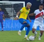 VIDEO: Neymar faz várias fintas na mesma jogada